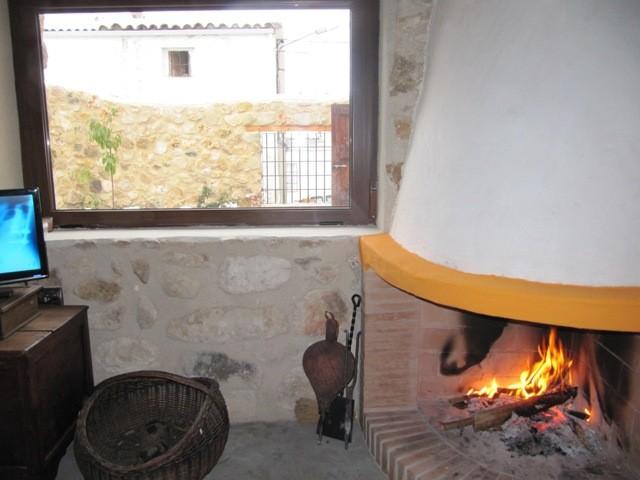Chimenea casa rural El Cerezo